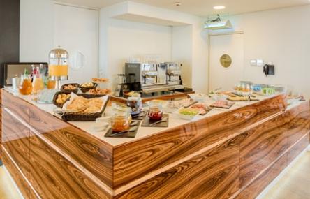 desayuno-buffet-Hotel-Premium-Porto-Downtown